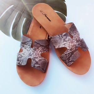 Reina | Snake Slide Sandals